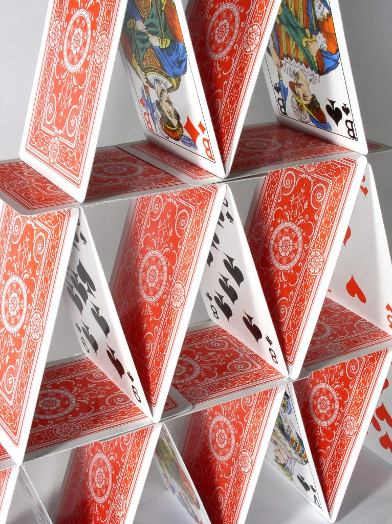 Blessure de l'âme Chateau de cartes